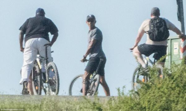 Ông Obama vẫn giữ thói quen tập thể dục hàng ngày dù ở đâu.