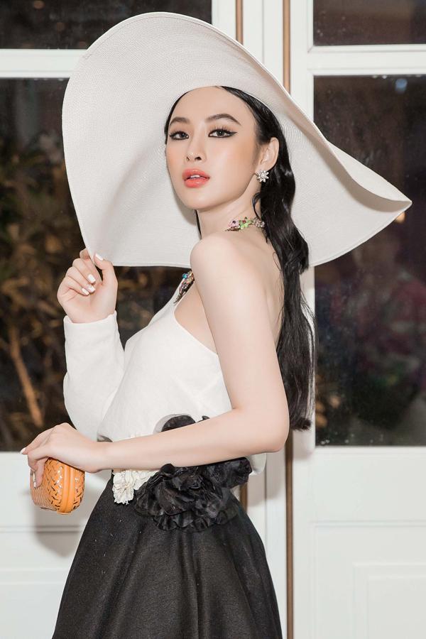 angela-phuong-trinh-di-su-kien-tre-vi-chuyen-bay-bi-delay-8