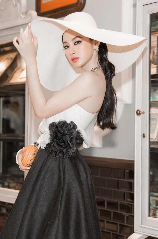 angela-phuong-trinh-di-su-kien-tre-vi-chuyen-bay-bi-delay-10