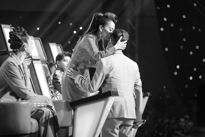 hanh-trinh-den-ngoi-quan-quan-the-voice-2017-cua-ali-hoang-duong-7