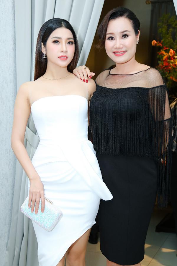 dien-vien-yan-my-hoi-ngo-mc-nguyet-anh-trong-su-kien-1