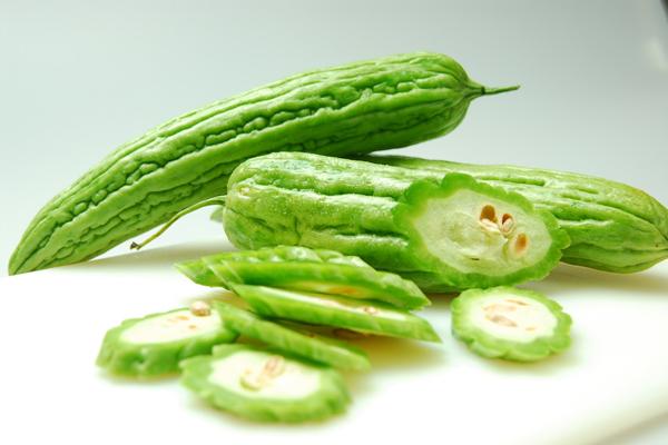 Mướp rất giàu chất xơ, giúp tăng cảm giác no. Ngoài ra, mướp còn chứa nhiều vitamin, giúp làm đẹp da hiệu quả.