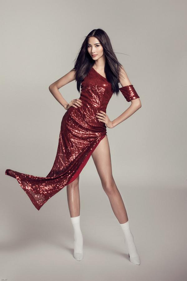 Bộ ảnh được thực hiện với sự hỗ trợ của nhiếp ảnh Mr. AT, stylist Fuji Nguyễn.