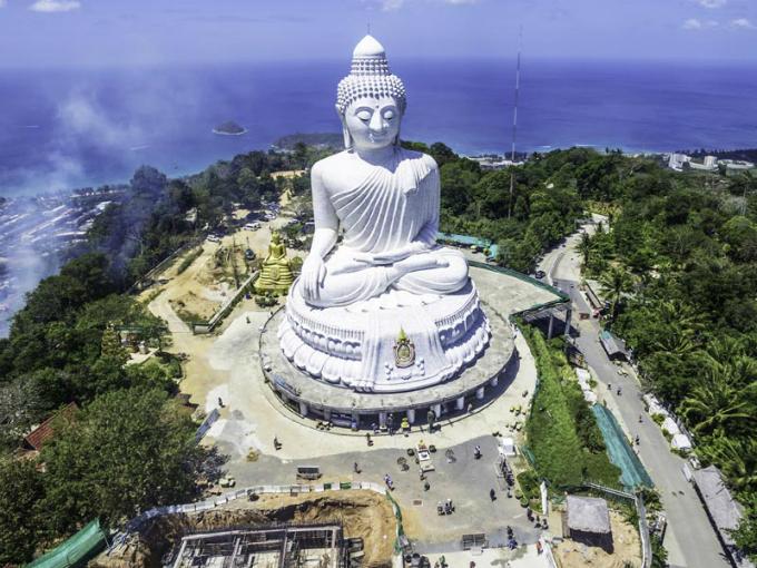 Trong chuyến du lịch này, Thảo Nguyên Travel sẽ đưa du khách đến những ngôi chùa độc đáo và xinh đẹp nhất.