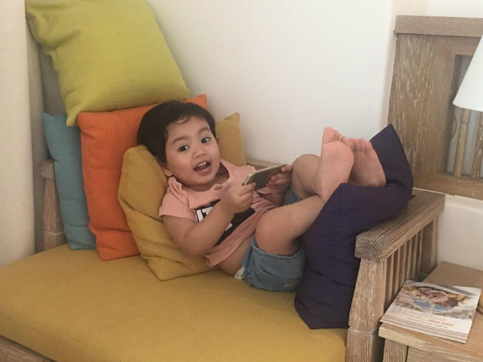 Hạ Vi dẹp mong manh, vọ chòng Thanh Bình - Ngọc Lan hạnh phúc ben con trai