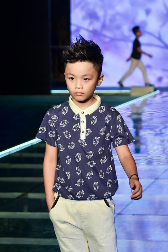 3 nhóc tì nhà MC Phan Anh catwalk áo dài - ảnh 6