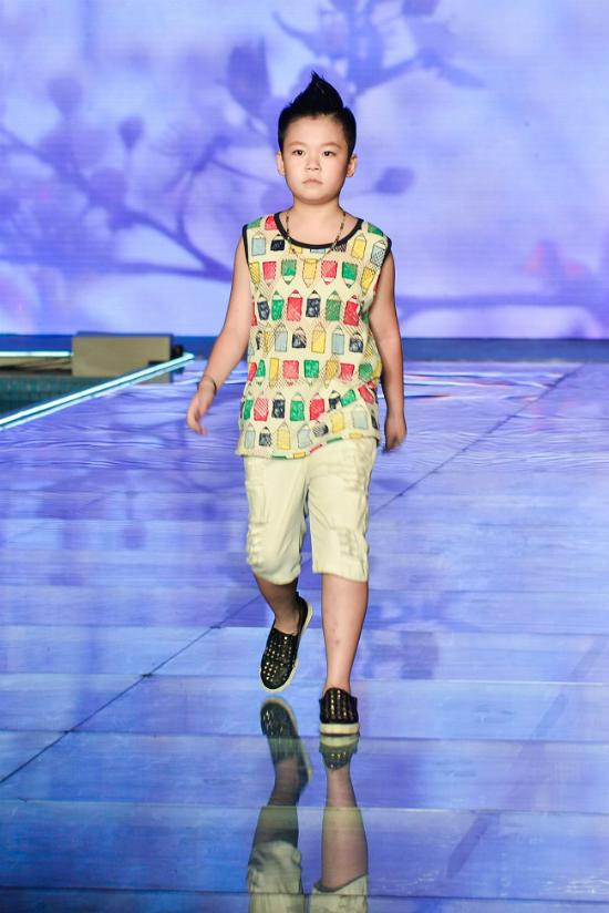 3 nhóc tì nhà MC Phan Anh catwalk áo dài - ảnh 8
