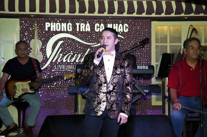 Kasim Hoàng Vũ và mẹ về Đà Nẵng làm từ thiện - ảnh 3