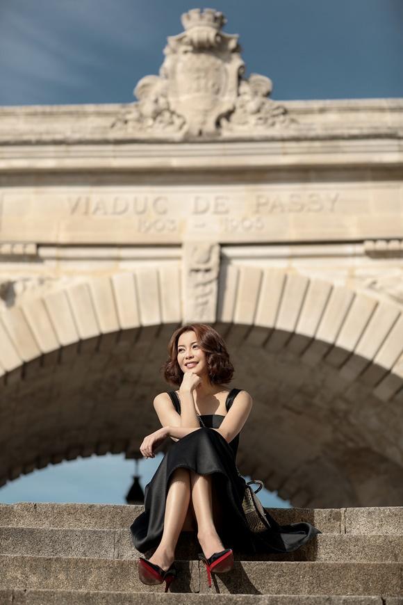Hoa hậu Hải Dương diện váy kết hàng nghìn viên pha lê - ảnh 8