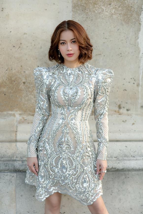 Hoa hậu Hải Dương diện váy kết hàng nghìn viên pha lê - ảnh 2