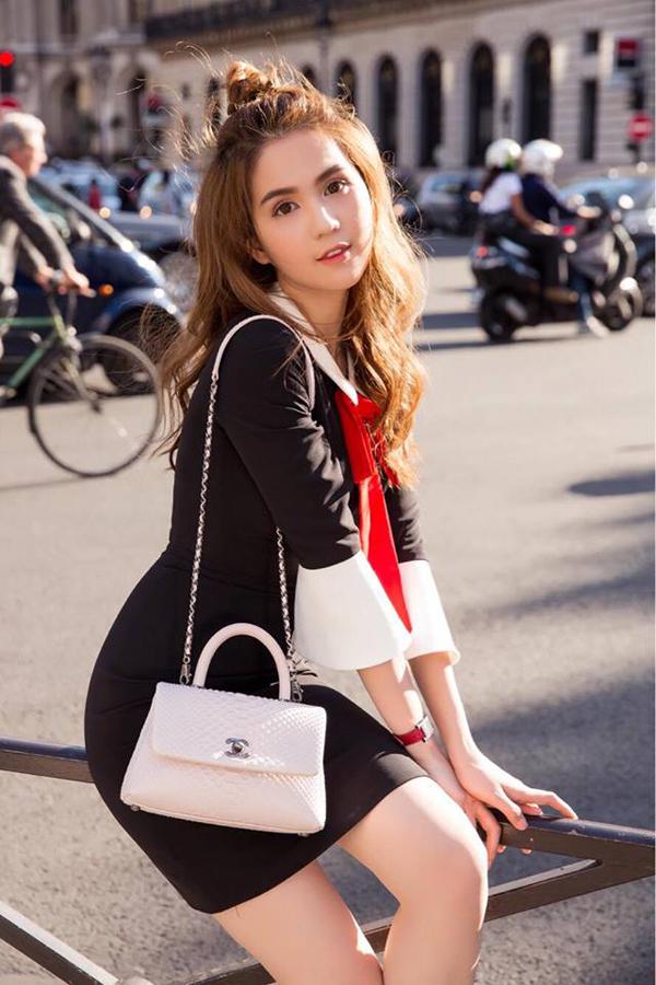 Ngọc Trinh chia sẻ, chuyến đi lần này cô mua được rất nhiều đồ mới và món nào cũng ưng ý. Trong đó các sản phẩm mới của Chanel, Louis Vuitton, Dolce Gabbana luôn được ưu tiên hàng đầu.