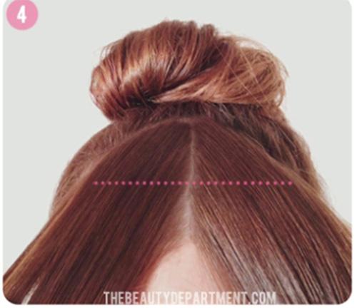 Chia tóc mái làm hai phần.