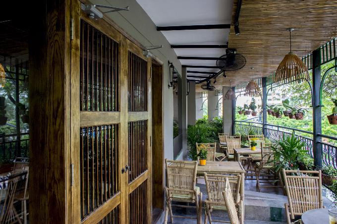 Không gian xanh mát tại quán cà phê trung tâm Sài Gòn