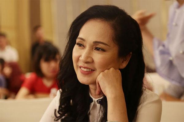 Buổi họp báo còn có sự tham gia của mẹ chồng khó tính Hương bông.