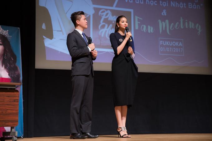 Vo chong gia nguoi Nhat di hop fanclub Pham Huong