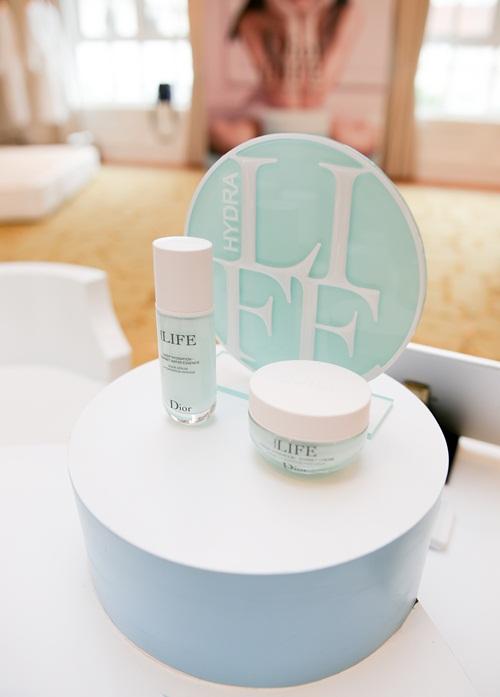 Dior Hydra Life giúp da đầy năng lượng và giữ nước.