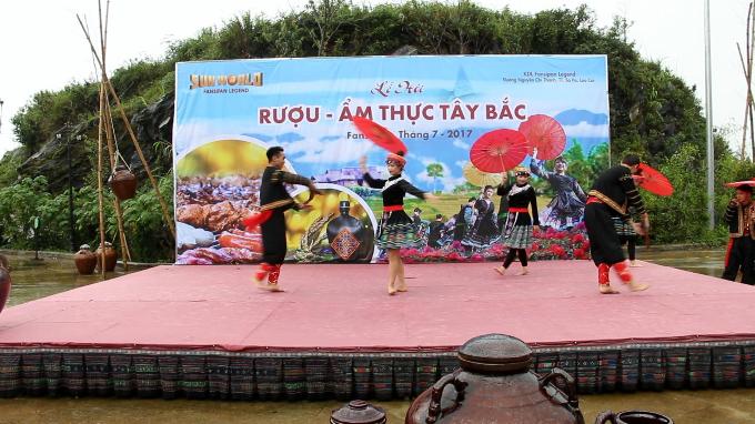thuong-thuc-hang-tram-mon-an-tay-bac-tren-dinh-fansipan