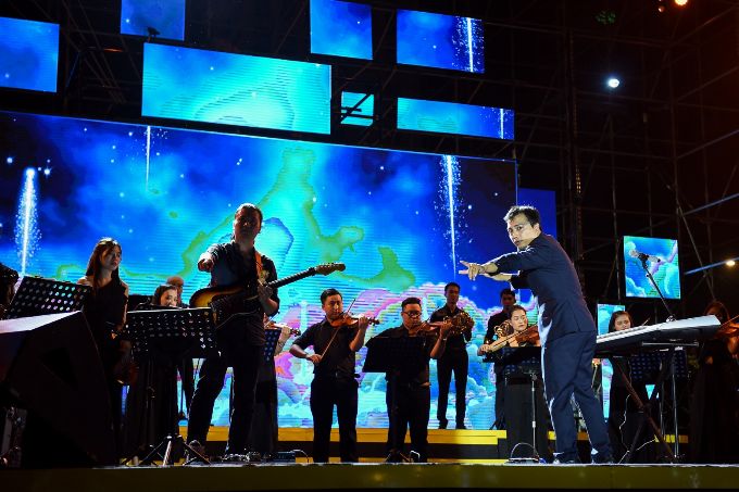 Sơn Tùng M-TP mời Phó tổng giám đốc Viettel song ca - ảnh 11
