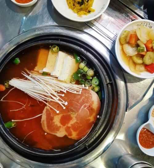 Quán thịt nướng không ngừng hot nhờ Song Joong Ki - Song Hye Kyo - ảnh 7