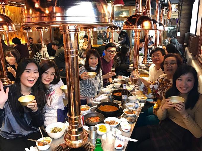 Quán thịt nướng không ngừng hot nhờ Song Joong Ki - Song Hye Kyo - ảnh 3