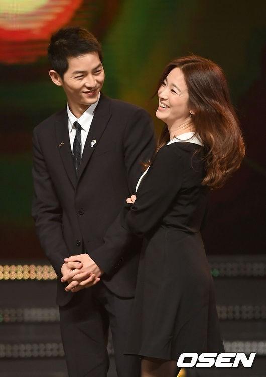 gia-dinh-song-joong-ki-toi-seoul-gap-go-me-song-hye-kyo