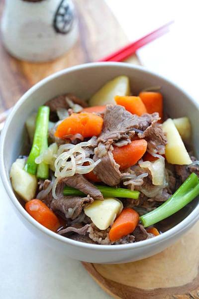Bò hầm cà rốt và khoai tây - ảnh 1