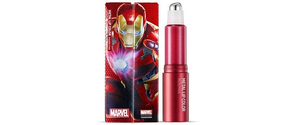 Son The Face Shop x Marvel Iron Man Metal Lip Color có đầu bi lăn kim loại mang mùi hương trái cây tươi mát.