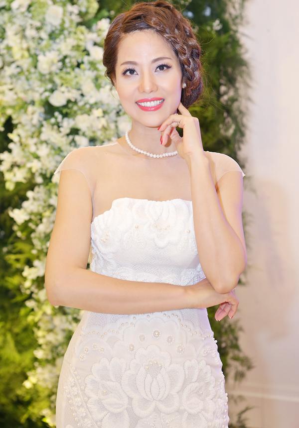 hien-mai-cung-chong-dai-gia-toi-ung-ho-nguoi-dep-thu-huong-5