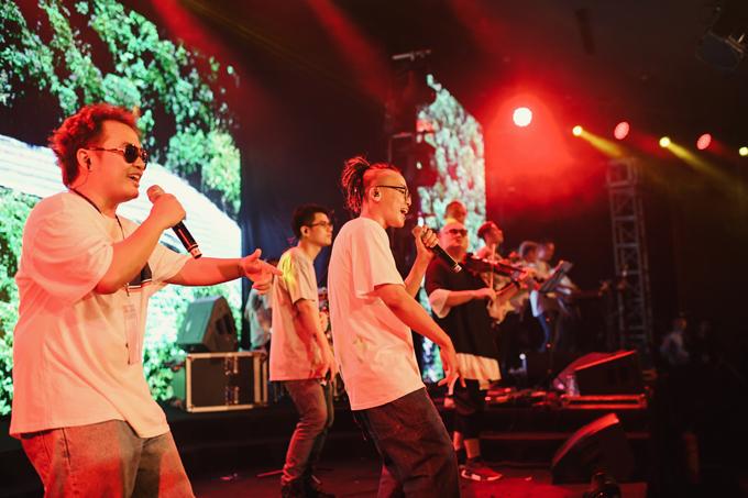 Da LAB tưởng nhớ ca sĩ chính của Linkin Park trong liveshow