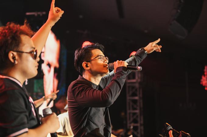 Da LAB tưởng nhớ ca sĩ chính của Linkin Park trong liveshow - Ảnh minh hoạ 4