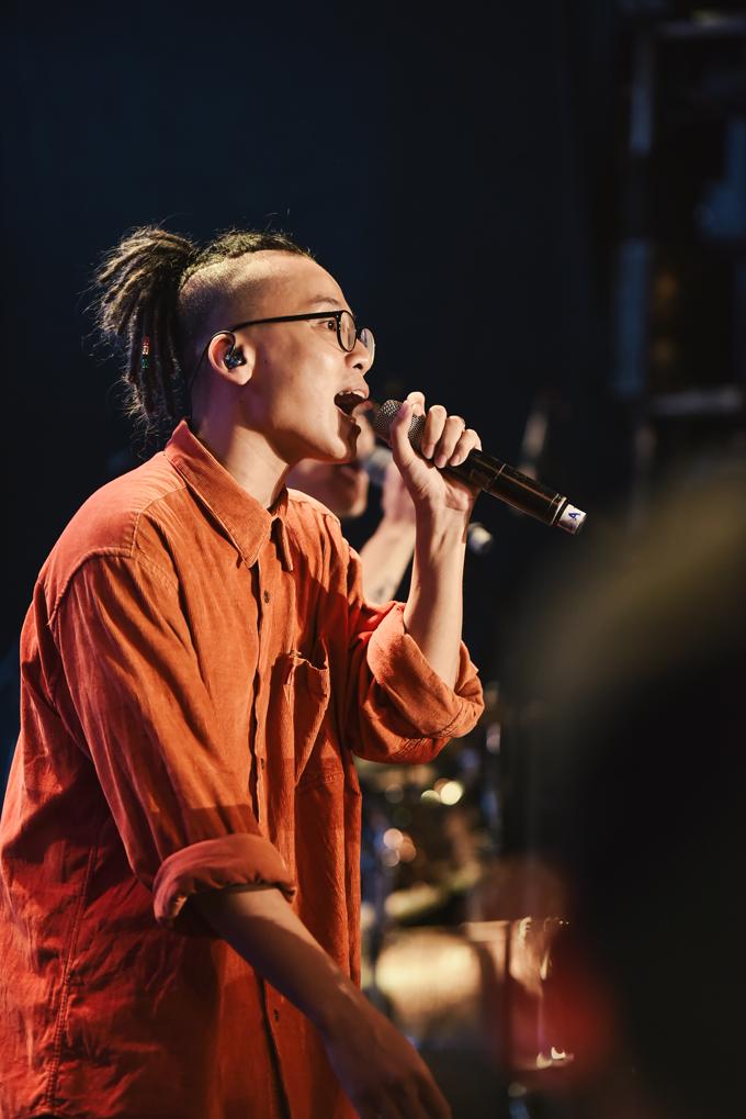 Da LAB tưởng nhớ ca sĩ chính của Linkin Park trong liveshow - Ảnh minh hoạ 7