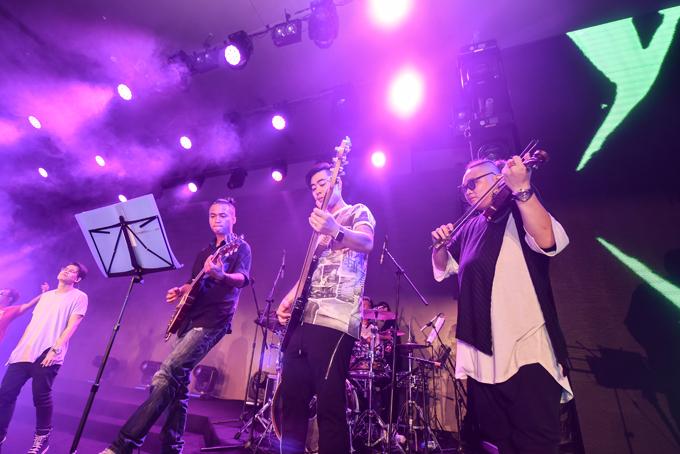 Da LAB tưởng nhớ ca sĩ chính của Linkin Park trong liveshow - Ảnh minh hoạ 8