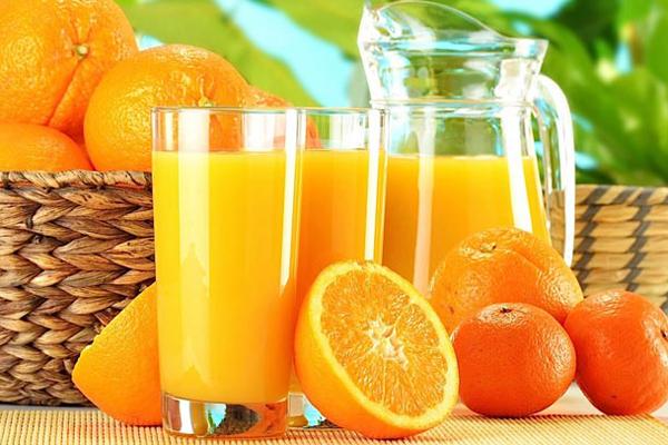 Nước ép trái cây chứa nhiều vitamin và hàm lượng đường tự nhiên, giúp tăng cân hiệu quả.