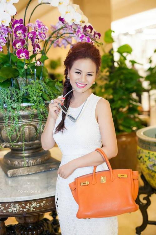 Hoa hậu Khả ái Vivian Văn khoe nhan sắc rạng ngời