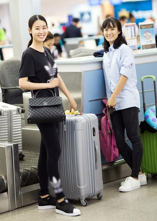 Ngọc Trinh mặc quần ống thấp ống cao ra sân bay - Ảnh minh hoạ 6
