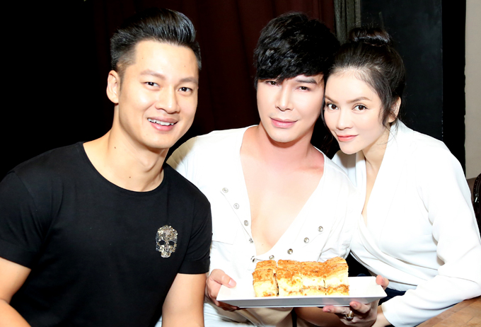 Nathan Lee hôn Lý Nhã Kỳ, Phương Mai trong tiệc sinh nhật - Ảnh minh hoạ 3
