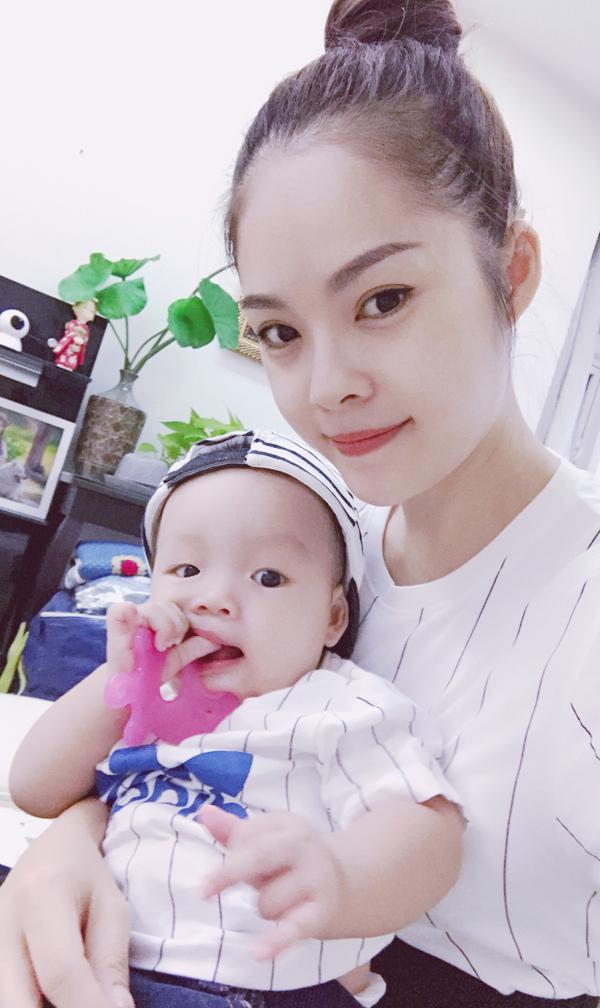Dương Cẩm Lynh hạnh phúc viên mãn bên chồng và con trai - Ảnh minh hoạ 7