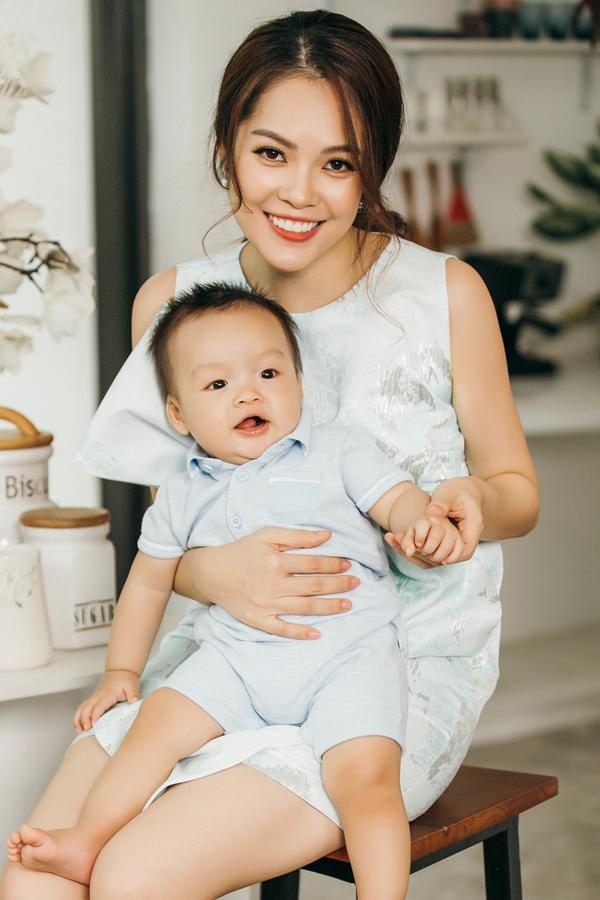 Dương Cẩm Lynh hạnh phúc viên mãn bên chồng và con trai - Ảnh minh hoạ 8