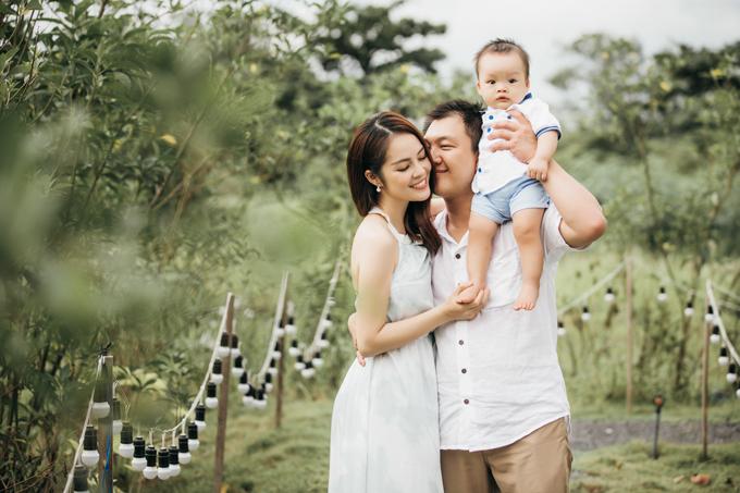 Dương Cẩm Lynh hạnh phúc viên mãn bên chồng và con trai - Ảnh minh hoạ 6