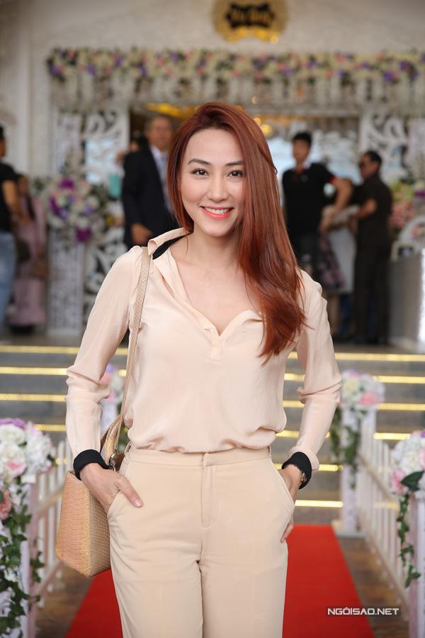 Ngân Khánh từ Singapore về Trà Vinh dự đám cưới Lê Phương - Ảnh minh hoạ 2