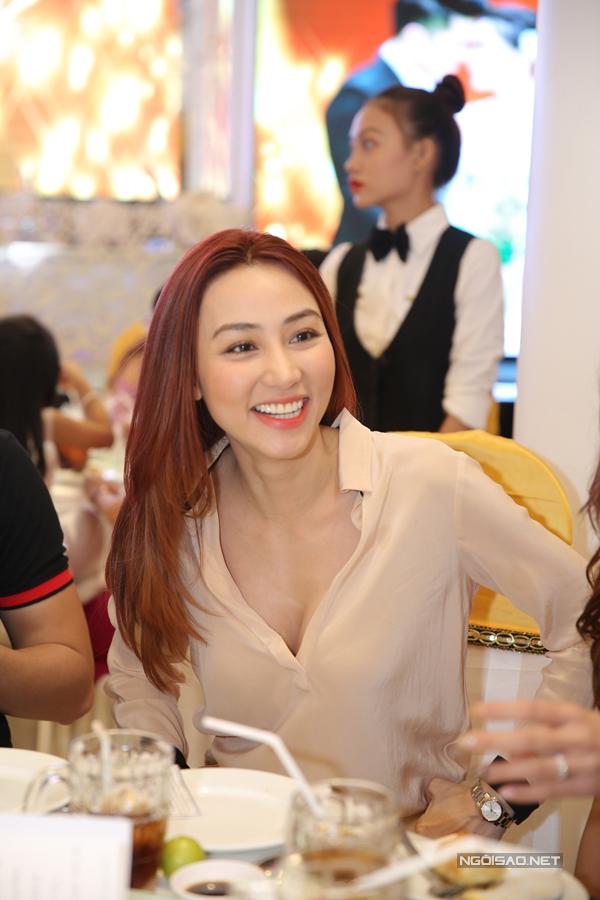 Ngân Khánh từ Singapore về Trà Vinh dự đám cưới Lê Phương - Ảnh minh hoạ 4