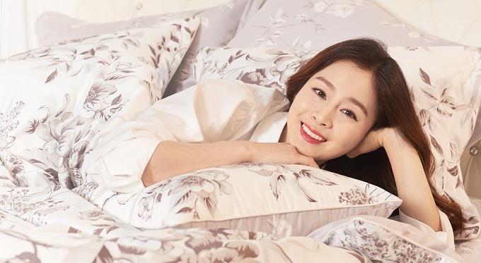 Kim Tae Hee khoe nhan sắc mặn mà trong bộ ảnh mới - Ảnh minh hoạ 4