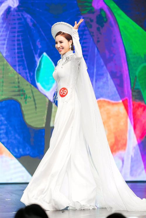 Hoàng Dung đăng quang Mrs Ao dai Vietnam 2017 - Ảnh minh hoạ 7