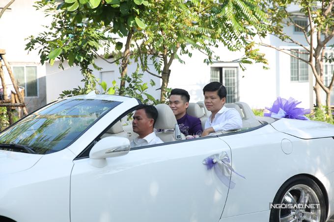 Trung Kiên đi xe mui trần sang trọng đến hỏi cưới Lê Phương - Ảnh minh hoạ 3