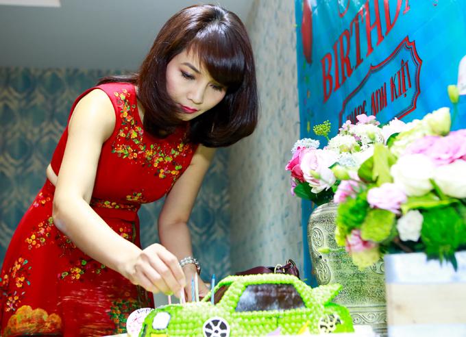 Vợ chồng Mai Thu Huyền mở tiệc mừng sinh nhật con trai