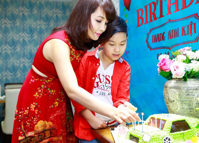 Vợ chồng Mai Thu Huyền mở tiệc mừng sinh nhật con trai - Ảnh minh hoạ 2