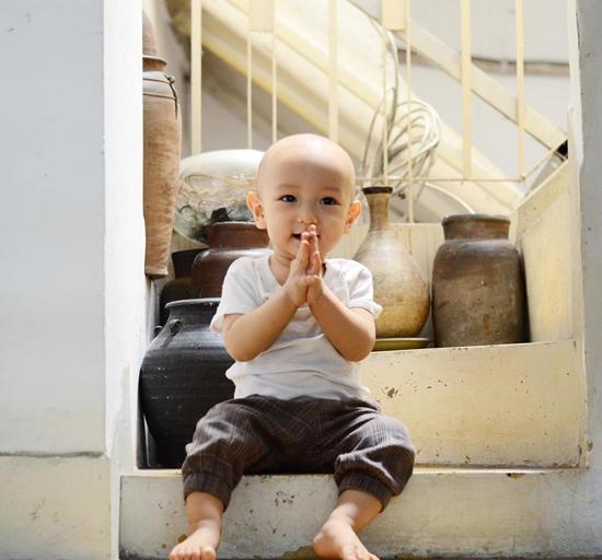 10 tháng tuổi, con trai thứ hai của Ngô Quang Hải vẫn chưa có tóc - Ảnh minh hoạ 5