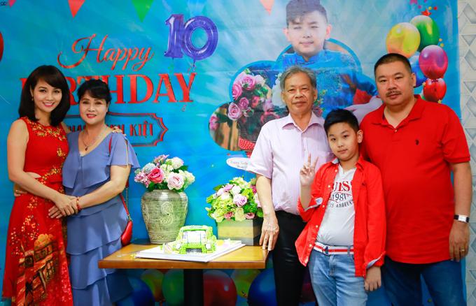 Vợ chồng Mai Thu Huyền mở tiệc mừng sinh nhật con trai - Ảnh minh hoạ 6