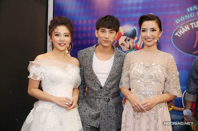 van-mai-huong-bich-phuong-make-up-ky-luong-truoc-gio-len-song-4