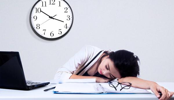 Khi không được nạp đủ năng lượng, cơ thể sẽ rơi vào trạng thái nghỉ ngơi.